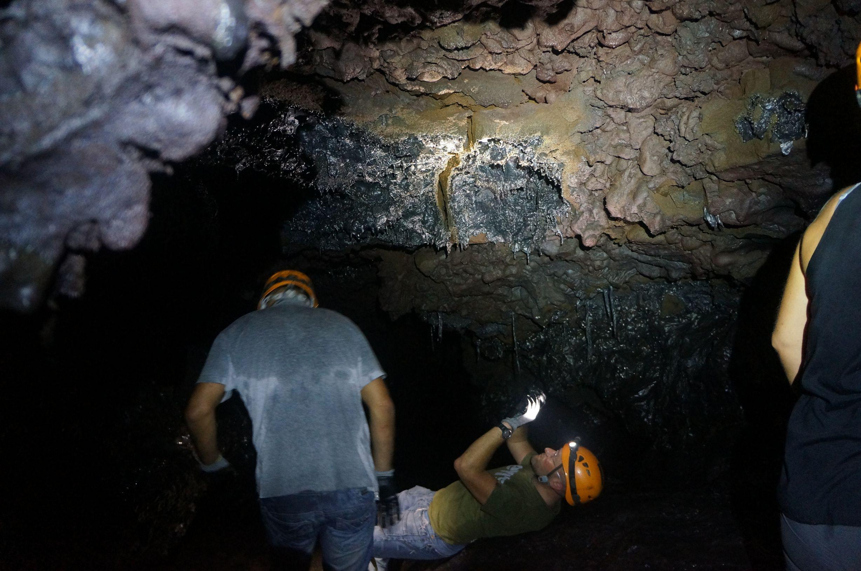 Visite des tunnels de lave 10 tunnels de lave r union for Ouvre la fenetre translation