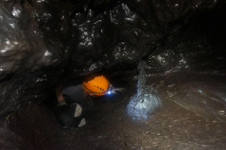 Lave tube reunion island 36 tunnels de lave r union for Ouvre la fenetre translation