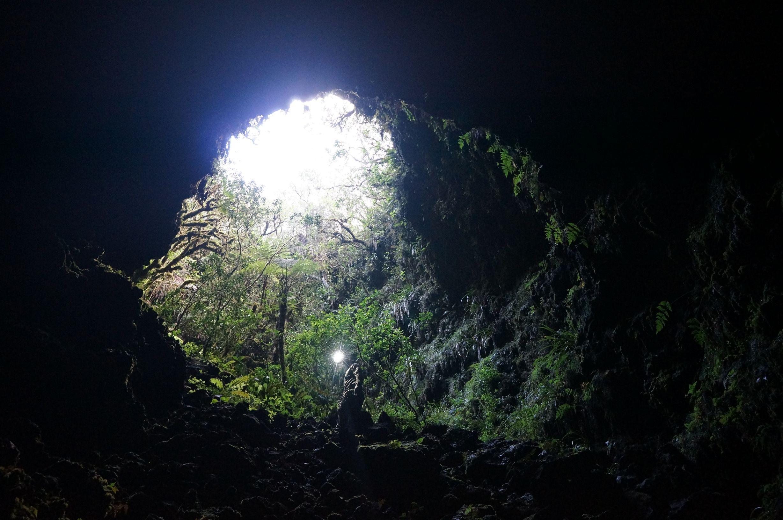Visite tunnels de lave rando sp l o volcanique ile de la for Ouvre la fenetre translation