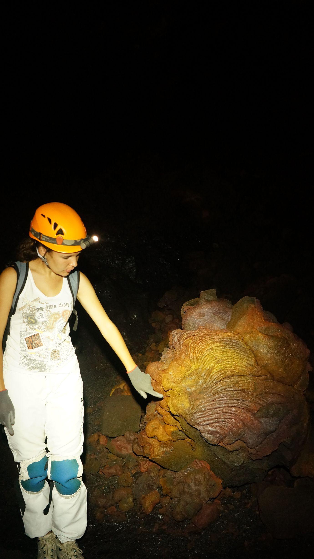 Speleologie ile de la reunion 974 tunnels de lave 19 for Ouvre la fenetre translation