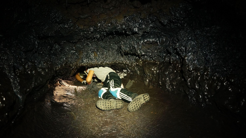 Speleologie ile de la reunion 974 tunnels de lave 54 for Ouvre la fenetre translation