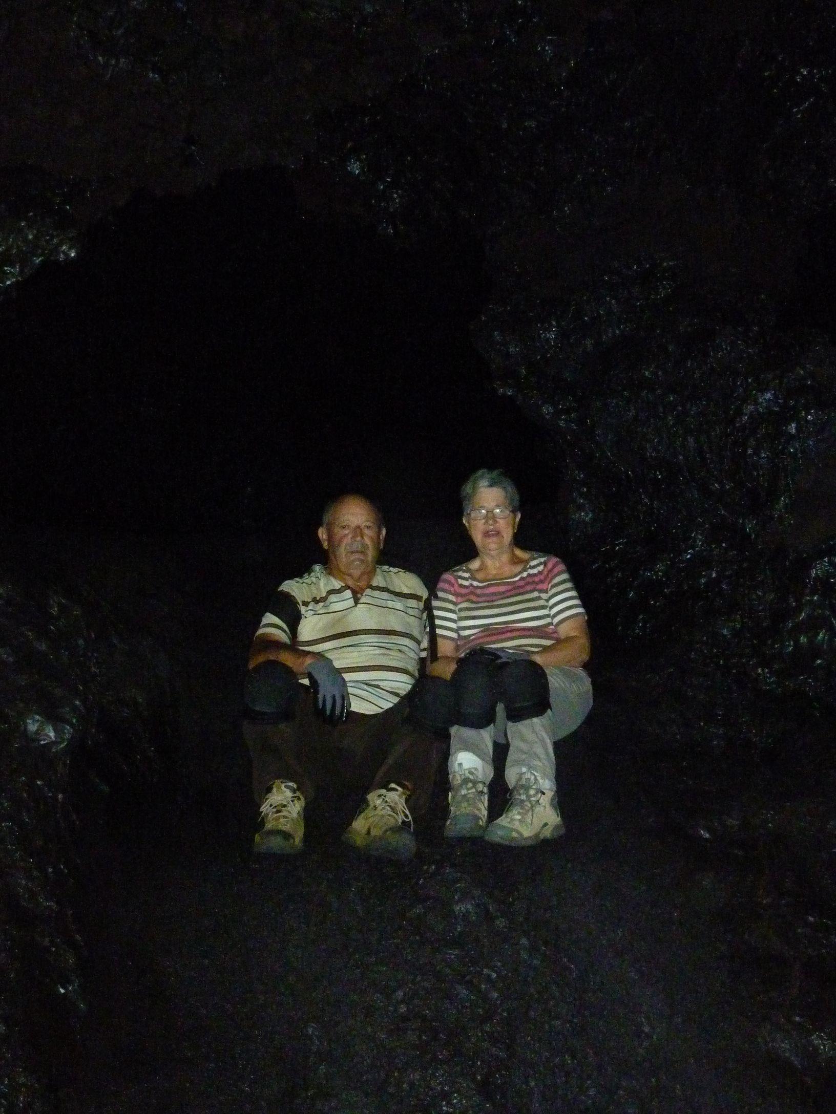 Speleo piton de la fournaise reunion 12 tunnels de for Ouvre la fenetre translation