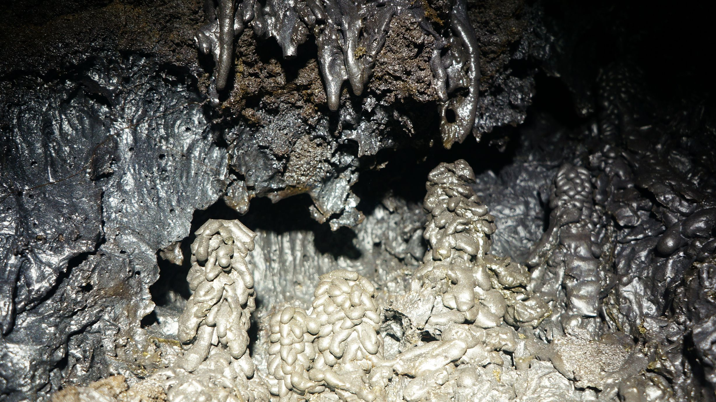 Tube de lave reunion 974 acsa 87 tunnels de lave r union for Ouvre la fenetre translation