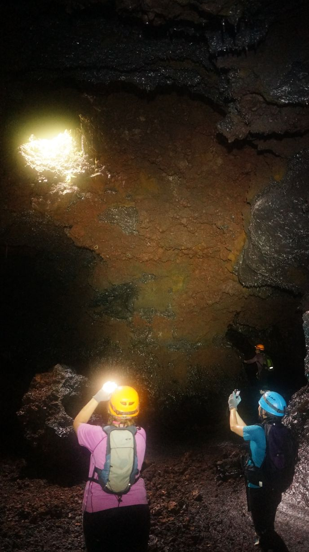 Speleo 974 reunion rando volcan 15 tunnels de lave r union for Ouvre la fenetre translation