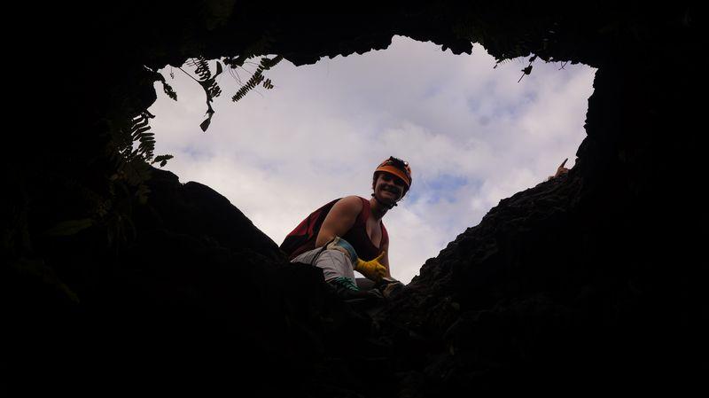 Grottes de lave 974 reunion piton de la fournaise 59 for Ouvre la fenetre translation