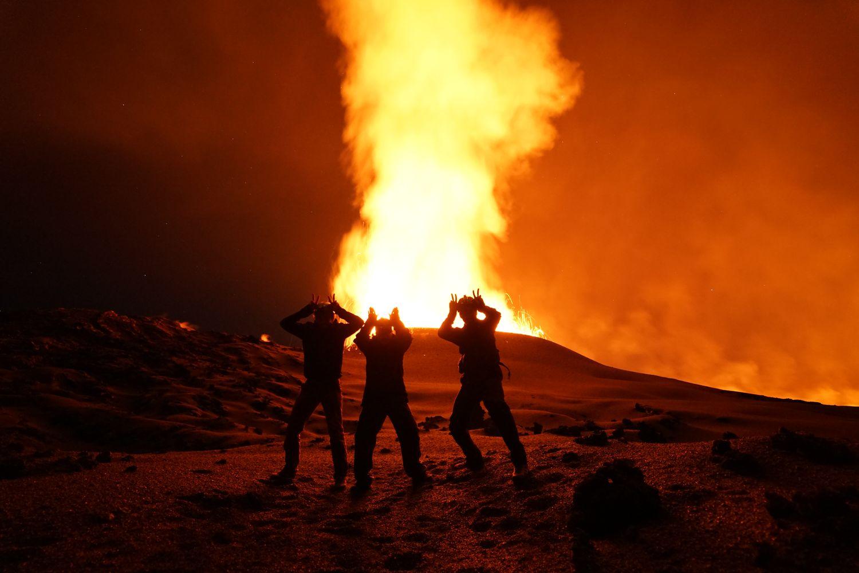 L'équipe de Rando-Volcan au plus proche de la ave
